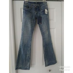 Z2  Medium Wash Distressed Low Rise Jeans size 1